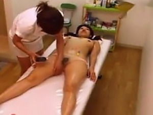 slutload japanese mature pussy getting massage