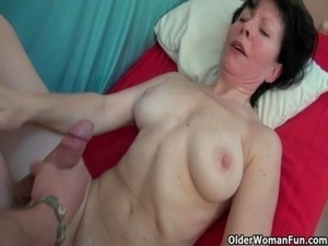 naked milf massage video