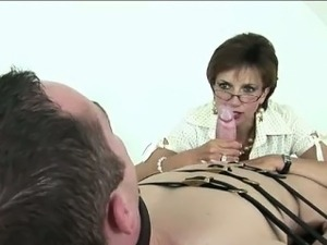 lady sonia pantyhose blowjob video