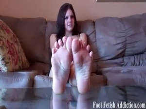 girls dirty feet videos