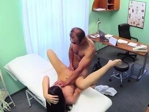 porno-doktora-domoy