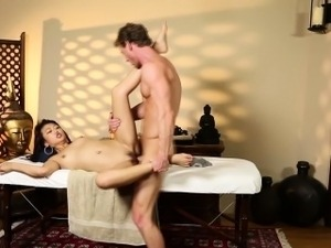 nuru japanese erotic massage