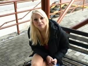 Teen outdoor fucking