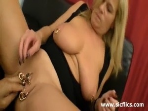 Extreme mature amateur enjoys an intense fist fucking penetration in her...