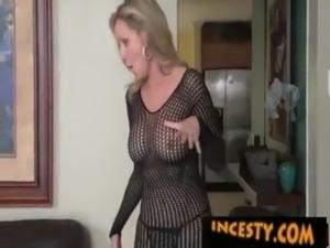 moms that fuck videos