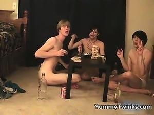 free xxx amatuer group sex videos