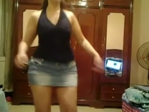 young teen dancing video