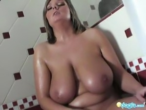 sexy hot girls in bathroom pooping