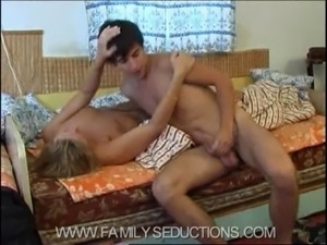sex family gallery