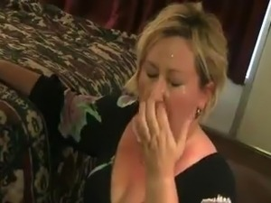 amatuer wife sucks stranger video