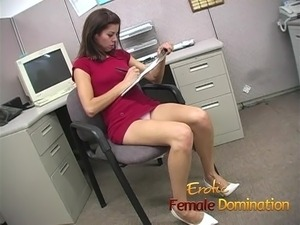 mature womens sexy toes and feet