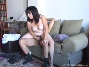 big tits oily bikini pictures