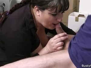 lick her pussy in office