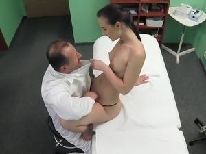 doctor finger pussy