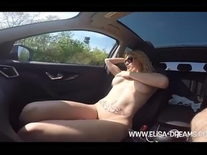 girls tits car show