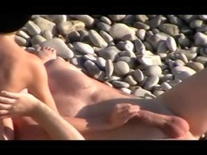 girls having sex voyeur