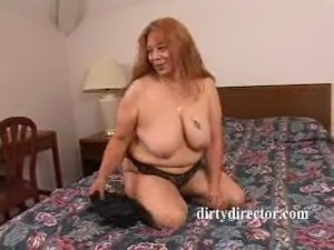 amateur girl asshole spreading