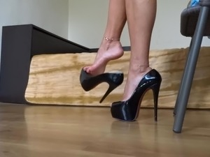 leather fetish shemale movies
