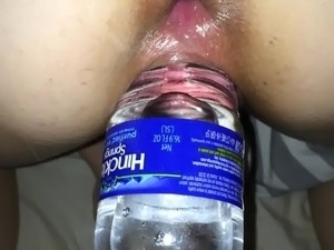 anal hooked wife taking water bottle in pussy