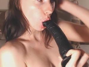 Cumming inside her pussy