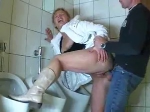 hot naked girl in bathroom