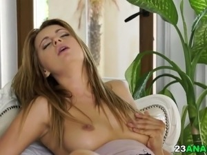 erotic porn busty babe
