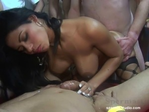 mommy clean pussy sperm