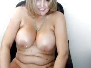 chubby blondes pussy thumbs free
