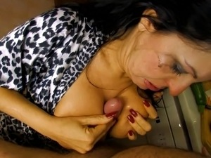 mature women with largepussy insertions