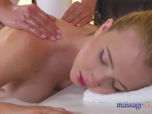 wife gets lesbian massage