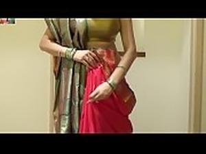 actors pressing boobs in saree videos