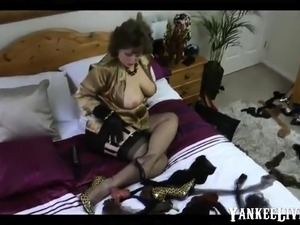 young girl seduces aunt