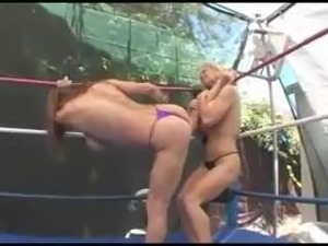 Girl fights boobs