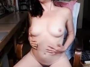 amateur hairy pussy in nylon