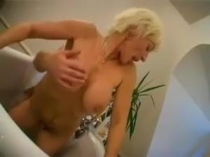 video of young girls getting drunk