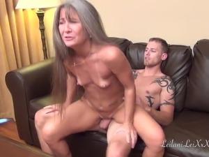 older lesbian seduces young girls